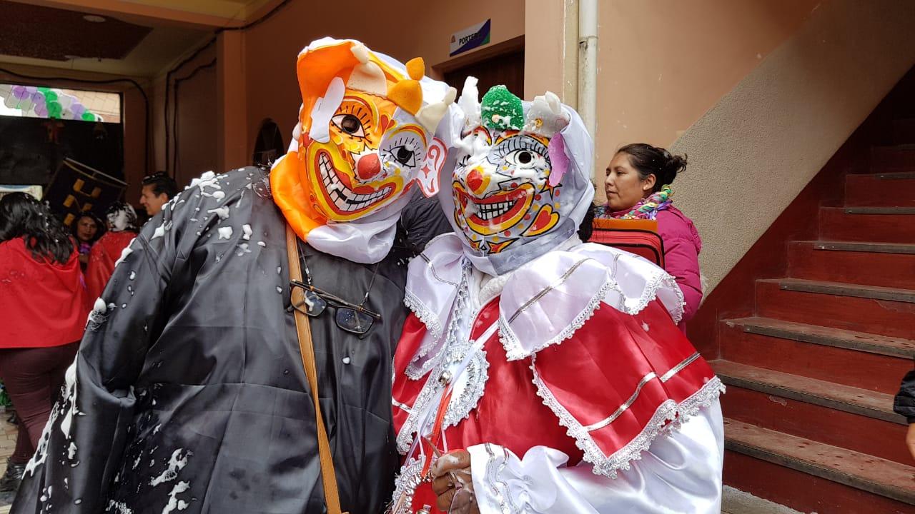 UNITEPC El Alto celebró el carnaval con la tradicional Ch'alla de sus instalaciones